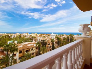 Cute family apartment_Pool_sea view 200 m from the beach