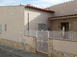 LA LLIMONA/THE LEMON HOUSE