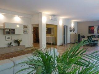 TORTORA Stylish Flat 3BR /2BTH  Centre Padova