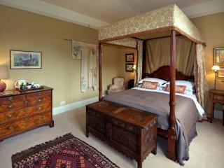 Yellow Room - The Pigeon House B&B, Bodenham