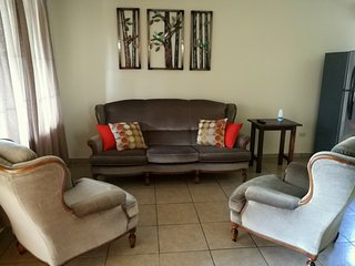 Downtown Comfortable Home, La Fortuna de San Carlos