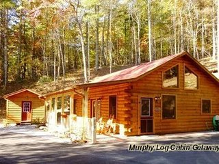 Murphy Log Cabin Getaway