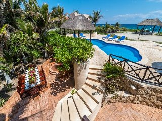 4 Bedroom oceanfront home centrally located in Akumal. Pool, AC, Wifi, Cook.