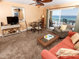 PI 511:Beautiful beachfront 2bedroom - FREE BEACH CHAIRS, AWESOME VIEWS!