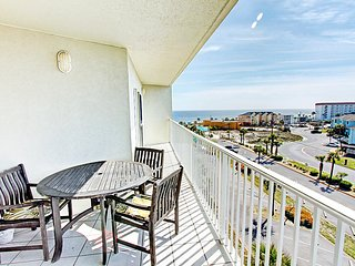 Seacrest 612-2BR- Balcony w/Gulf & Sound Views! Walk2Beach- Indoor&Outdoor Pools