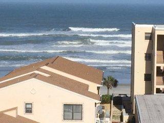 Ocean view Beach 2bd 2ba, Daytona Beach Shores
