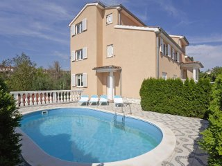 Cozy 2BD Apartment with swimming pool, Pula