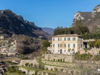 Villa Gallesio - Appartamento in Antica Villa con Vista sul Castel Govone