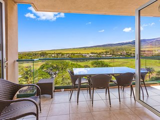 2 Bedroom Mountain and Partial Ocean Views! - The Palm Tree at 632 Konea