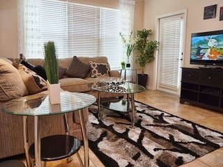 Bella Piazza 3 Bedroom 3 Bath Condo sleeps 8. 906CP-431, Kissimmee