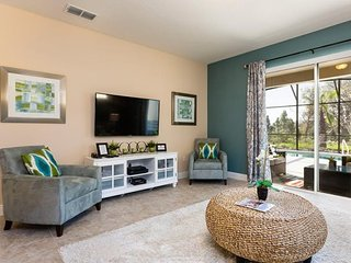5 Bedroom 4.5 Bathrooms South Facing Pool home. 4333AC, Kissimmee