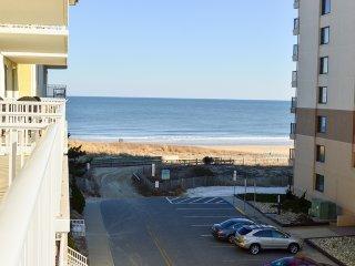 Adagio 407 - Oceanfront (Side) w/ Indoor Pool