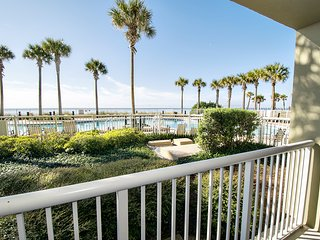 Gulf FRONT for 6! Ground Floor- Grand Panama 1-103- Master w/ Gulf Views!
