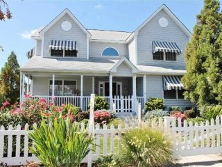 300 21st St. Brigantine - Spacious & Updated Home!