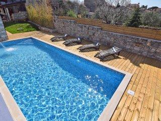 Villa SAN ROCCO fur 8-10 Personen mit Pool, Sauna und Jacuzzi