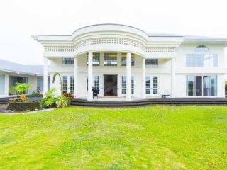 Luxury Mansion in HIlo