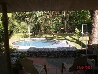 villa Lourdes two rooms, pool, garden equipied, a/c, wifi