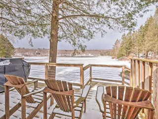 NEW! Tranquil 3BR Long Eddy Cabin on the Lake!