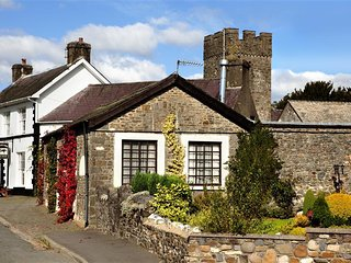 Neuadd Cottage (NEUAD), Llandovery