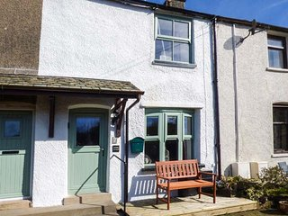CARTMEL COTTAGE, terraced, woodburner, private patio, in Cark, Ref. 936625