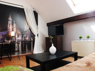 Cracovia 7 apartment in Kazimierz with WiFi, air conditioning & lift.
