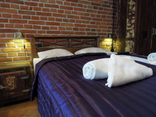 Industrial apartment in Kazimierz with WiFi & lift., Cracovia
