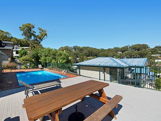 Avoca Ridge 2 - Pool & Location