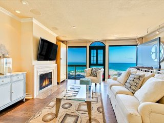 15% OFF APRIL DATES - Oceanfront home in the Village w/ private spa!, La Jolla