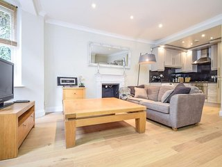 Finborough Road Lodge apartment in Kensington & Chelsea with WiFi.