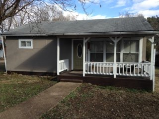 Chasen Summer cottage near Current river Van Buren MO 2BR 2BA kid pet friendly