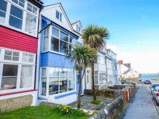 BEACHGETAWAY, pet-friendly, luxury holiday cottage, with a hot tub in Rhosneigr,