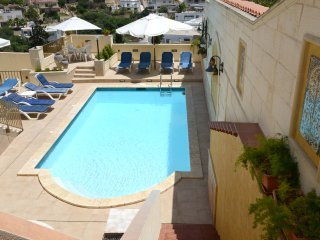 Villa Apartment with Swimming Pool and Ocean views Wifi TV