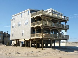 Beachfront 10 BR, 7 BA, INDOOR HEATED POOL, SLEEPS 28, ALMOST 5000 Sq ft