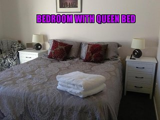 Redcliffs B&B - Bedroom plus 2nd bedroom or lounge - near the beach