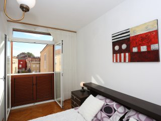 Apartment Renata Old Town - One Bedroom Apartment with Balcony