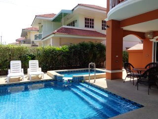 5 Bedroom Villa Sleeps 12 People Private Pool Central Pattaya 15 Min by Taxi