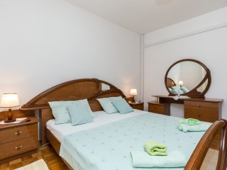 Rooms Ivo - Double Room with Shared Bathroom