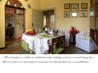"10 Minutes From VENICE -""Casa Rosi"" Typical Venetian style apartment, Marghera"