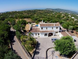 Fantastic luxurious villa with stunning country & sea views in region Faro