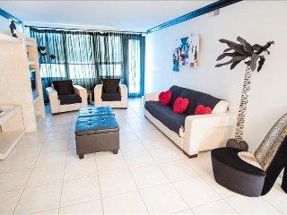 Premium Millionaire's Row Oceanfront Resort Two Bedroom Suite 1AX2IAA