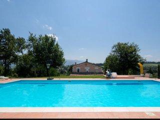 House - 100 km from the beach, Spoleto