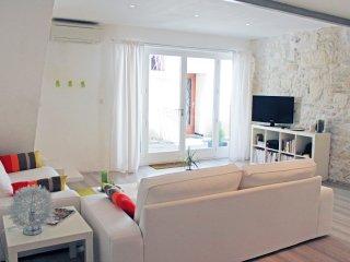 Superbe maison a louer à la semaine, Arles, proche des arènes