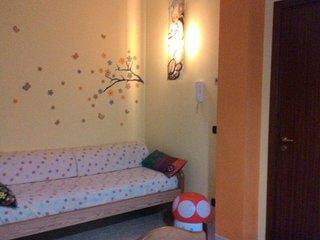 mini appartamento di 50 mq in villa a schiera con entrata indipendente e giardin, Mola di Bari