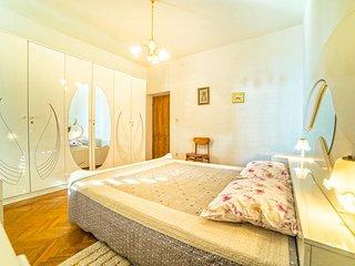 Apartment 1465
