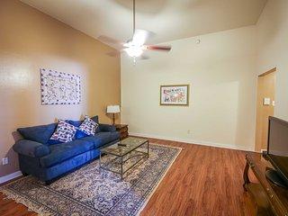 Iberville Apartments, Suite 405, Nova Orleans