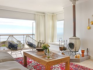 Simonstown Holiday Home Sleeping 8 - Dorion