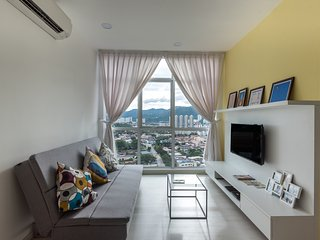Modern 2BR Fully Furnished Georgetown for Family, Gelugor