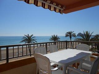 Ref 64.- 1ª línea de playa, vistas al mar, para 8 pers, parking, buenas piscinas, Peñíscola