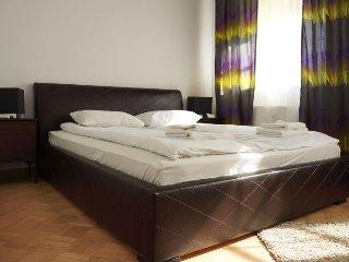 M20 apartment in Stare Miasto {#has_luxurious_ame…