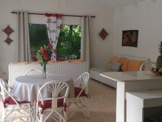 A LOUER villa récente de plain-pied avec piscine privée dans belle résidence